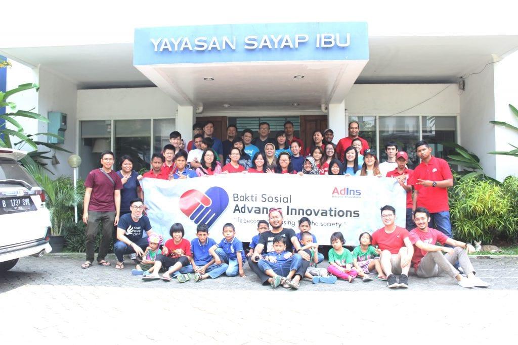 Team Campur Sari Held a Social Service for Sayap Ibu Barito Foundation